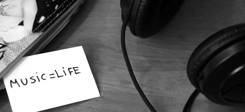 Ecouter de la musique est polluant - Music is life